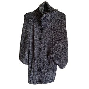 3/$20 Carolyn Taylor knit button cardigan sweater